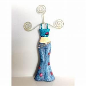 Porte Bijoux Mannequin : porte bijoux mannequi habill d 39 un jean et d 39 un top paillet bleu ~ Teatrodelosmanantiales.com Idées de Décoration