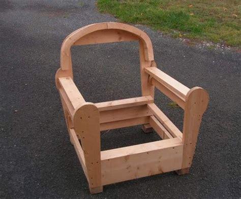 plan canapé bois les 25 meilleures idées concernant fauteuil sur