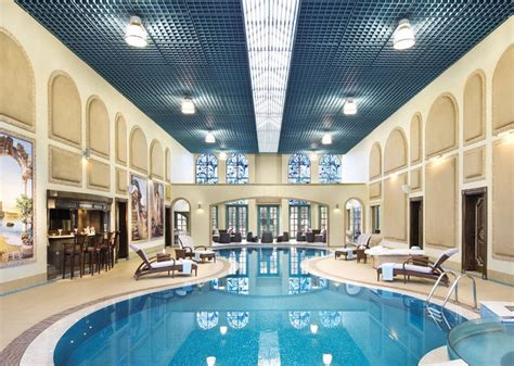 21 Stunning Luxury Swimming Pool Designs