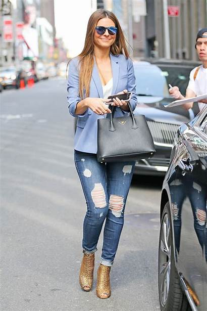 Maria Menounos Jeans York Trendy Ripped Showing