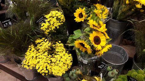 tischdeko mit sonnenblumen sonnenblumen tischdeko die passt immer