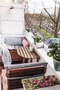 Lösungen Für Kleine Balkone : unser kleiner mini balkon tipps einrichten staufl che balkon tipps und wissen ~ Bigdaddyawards.com Haus und Dekorationen