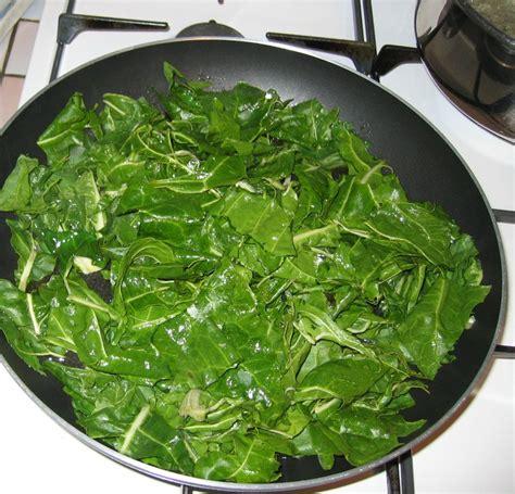 cuisiner feuilles de blettes cuisiner les feuilles de blettes 28 images quiche aux