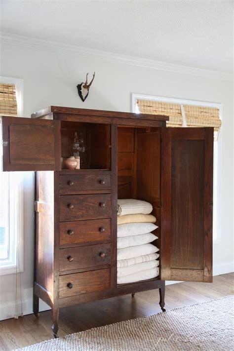 Linen Armoire Storage by Best 25 Linen Cabinet Ideas On Linen Storage