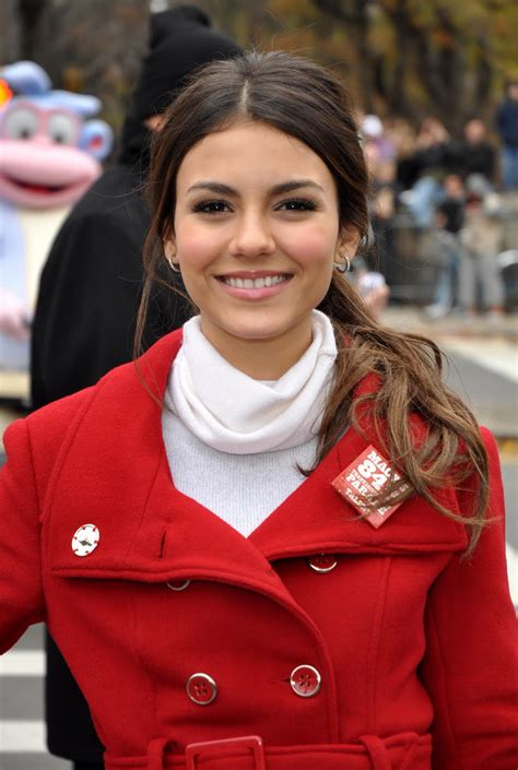 celebrity whereabouts victoria justice   macys