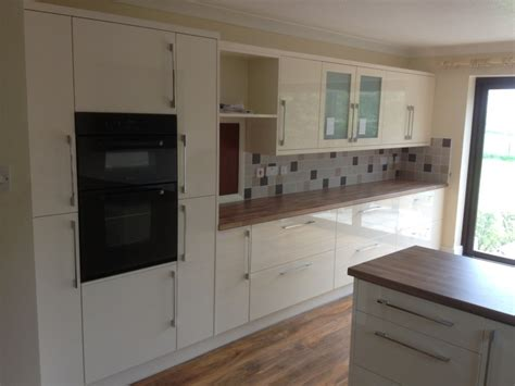 kitchen tiles b and q wight fit kitchens news archives wight fit kitchens isle 8660