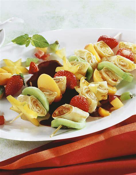 brochettes de crêpes et de fruits au chocolat pour 5