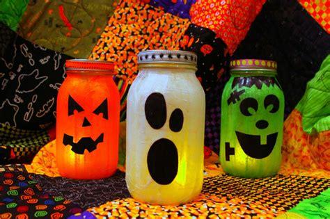Halloween Mason Jar Lanterns