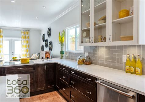 walls brothers designer kitchens property brothers renovation modern kitchen 6979
