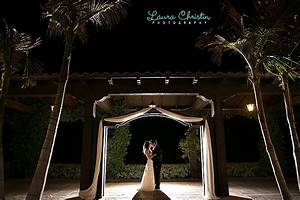 Simple off camera flash techniques for dramatic wedding for Low light wedding photography