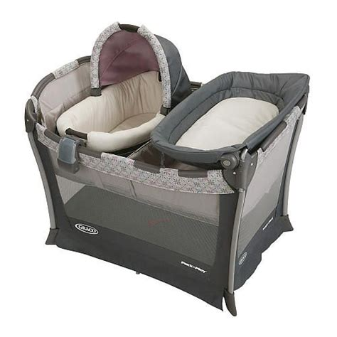 Graco Bedroom Bassinet by 17 Best Ideas About Portable Changing Table On