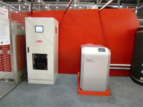 Stromspeicher Solarstrom Nutzen Auch Wenn Es Dunkel Ist by Fronius Energiezelle Langfristige Speicherung Solar