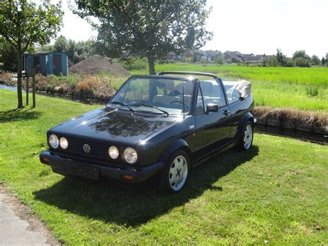 I could not drive this little convertible anywhere without getting ogled from every passerby. Volkswagen Golf convertible Classic line version - 1992 ...
