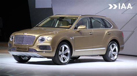 Frankfurt 2015 Bentley Bentayga Gtspirit