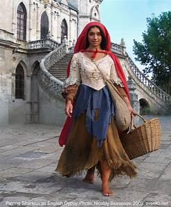 English Gypsy women's costume
