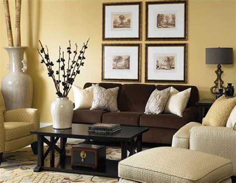 minimalist dining room seat cushions bir kahverengi koltuk 10 dekorasyon