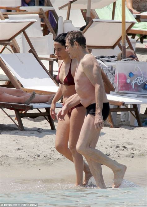 willem dafoe bikini shirtless willem dafoe relaxes on beach with his wife