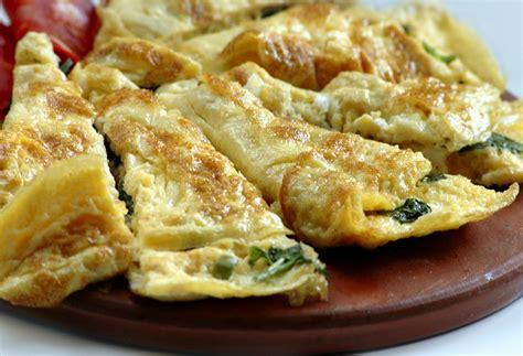 une jatte en cuisine recette de l 39 omelette aux épinards pratique fr