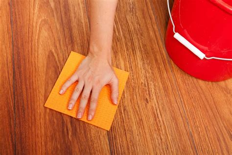 how to clean the wood floor without ruining it