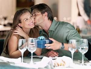 Cadeau Couple Anniversaire : photo idee cadeau anniversaire de mariage ~ Teatrodelosmanantiales.com Idées de Décoration