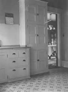 1919 Kitchen Cabinets
