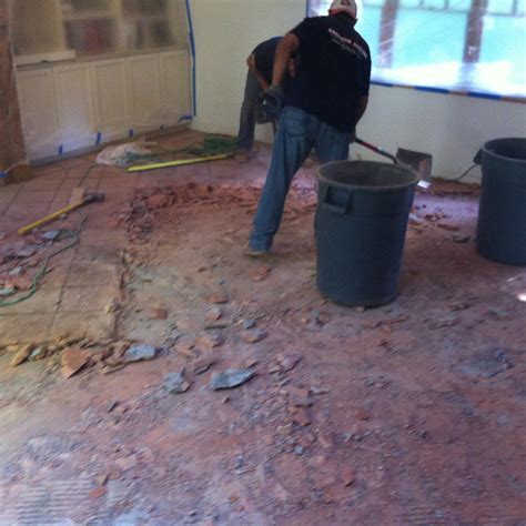 Installation   Avi?s Hardwood Floors, Inc