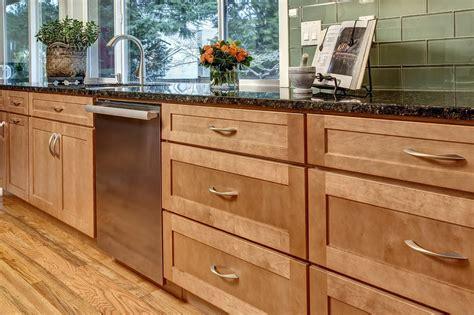 Maple Kitchen Cabinets Images  Home Design Ideas. Glass Kitchen Backsplash Tiles. Wooden Floors In Kitchens. Tile Or Wood Floors In Kitchen. Kitchen Backsplash Tile Photos. Creative Kitchen Countertops. Kitchen Floor Mats Uk. Tiled Kitchen Floors. Color Of Kitchen Cabinets