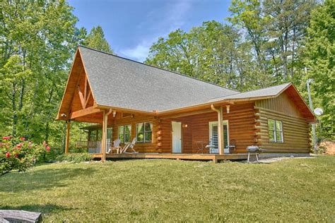 big cabins rentals secluded 3 bedroom cabin to dollywood in the smoky