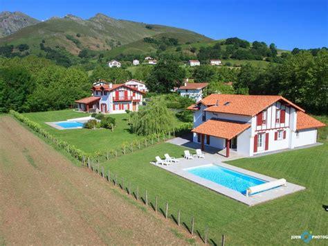 a louer maison avec piscine chauffee c 244 te basque abritel