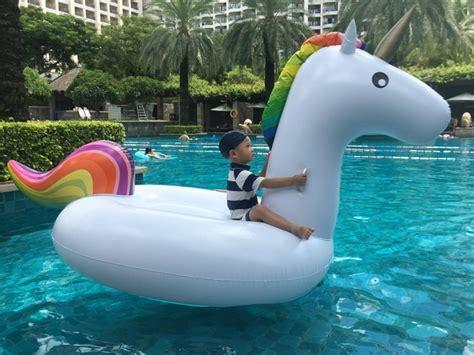 Free Pump + Inflatable Unicorn Flamingo Swan Giant Pool