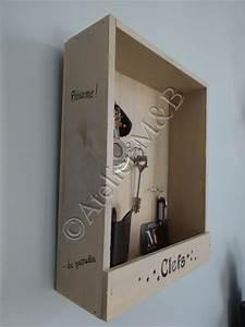 Boite à Clef : boite clefs l 39 origine c 39 tait une petite caisse contenant des bouteilles de vin portant des ~ Teatrodelosmanantiales.com Idées de Décoration