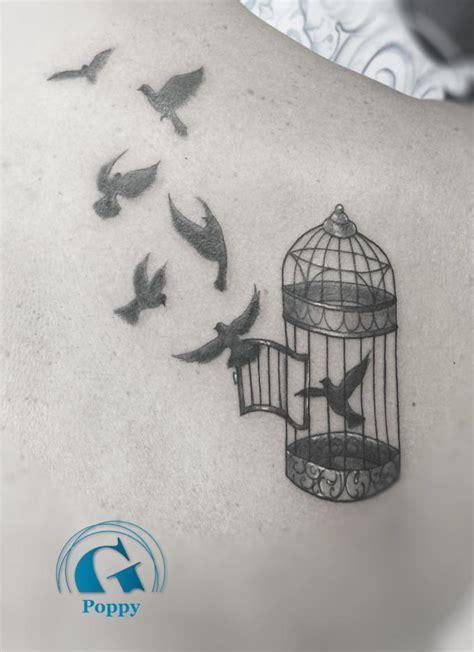 tatouage oiseau cage modeles  exemples