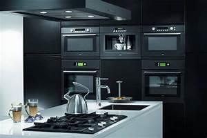 ingebouwde keukenapparatuur in de keuken