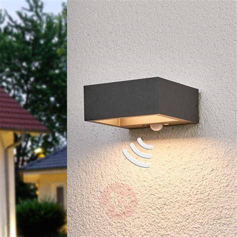 solar powered led outdoor wall light mahra sensor