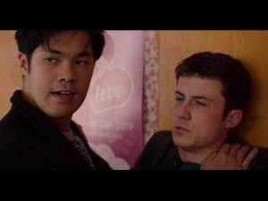 Clay and Zach Hallway Fight Scene | 13 Reasons Why Season 4