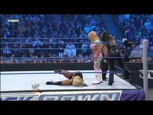 Alicia Fox & Kaitlyn vs Natalya & Tamina- WWE SmackDown 12/30/11