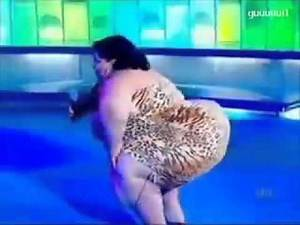 Huge Sexy Fat lady dance & sing
