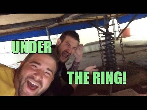 What does a Wrestling Ring feel like?? What is a ring made of? How to Tutorial!