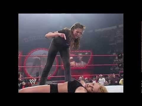 Stephanie McMahon vs. Trish Stratus - No Way Out 2001
