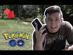 IS HE NAKED!?!   Pokémon Go Vlogs