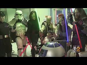 Pediatric Patients Get Holiday Visit From 'Star Wars' Characters