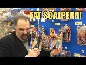 WWE ACTION INSIDER: Target figure aisle SCALPER FIGHT! Mattel Series 35 wrestling figures