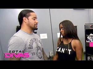 Naomi talks to husband Jimmy Uso about returning to Orlando: Total Divas Bonus Clip, Nov. 25, 2016