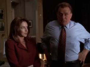 The West Wing S02E05funny moment in the Oval Office.avi