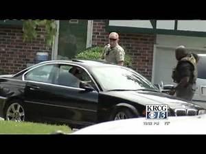 One shot, three in custody in Jefferson City