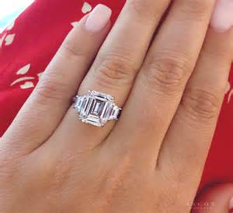 4-Carat-EmeraldCut-Diamond-Ring