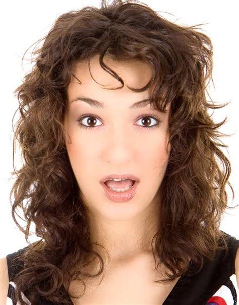 40-Hairstyle-Long-LayeredCurly-Hair