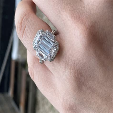 5-Carat-EmeraldCut-Diamond-Ring