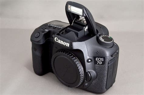 7D 18.0 MP Digital SLR | Digital Cameras