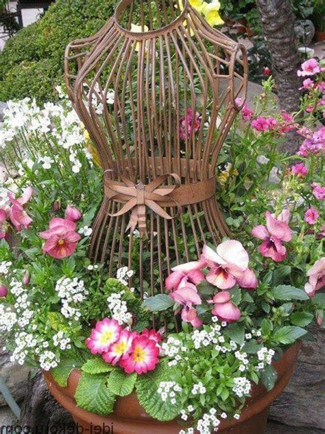 Antiques Outdoor Decorations